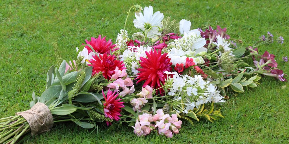sympathy flowers, funeral flowers, sheaf, garden flowers, B49, Alcester, Stratford, eco flowers
